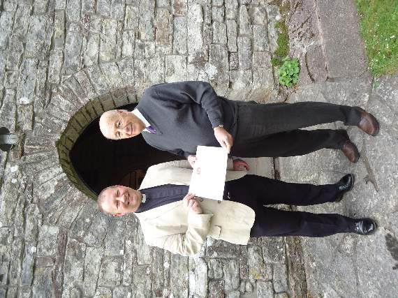 Dinas Powys volunteer receives award for Christian Aid work